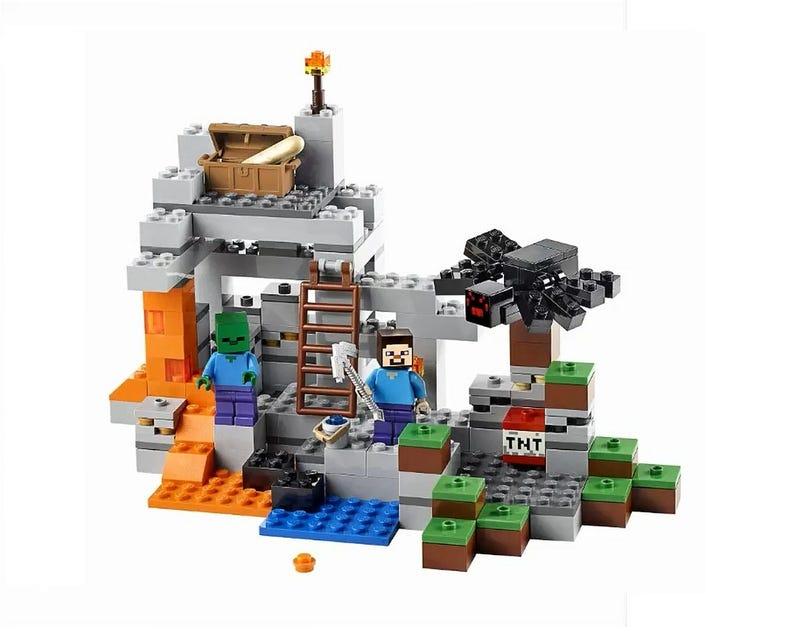 Illustration for article titled Photos Of The Upcoming Lego Minecraft Sets