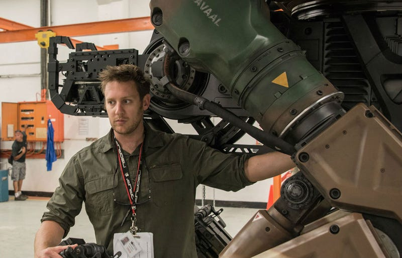 """Illustration for article titled With Alien 5 Delayed, Neill Blomkamp Moves Onto A """"Time Travel Procedural"""""""