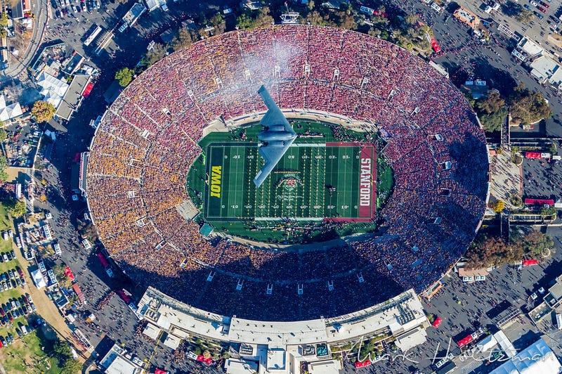 Illustration for article titled B-2 Spirit Over the Rose Bowl