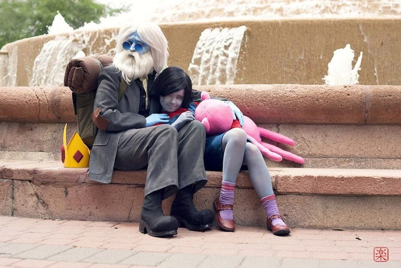 Illustration for article titled Simon and Marceline cosplay will put a tear in your eye