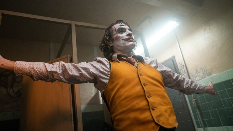 Illustration for article titled Weekend Box Office: Joker is still clowning on its competition