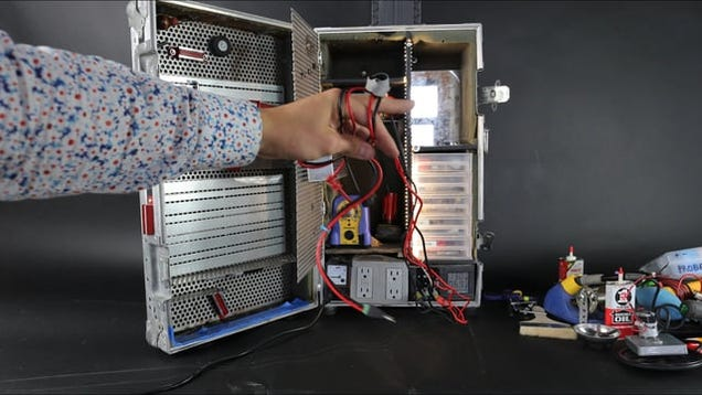 This Flight Case Toolbox and DIY Workstation Is Portable and Saves Space