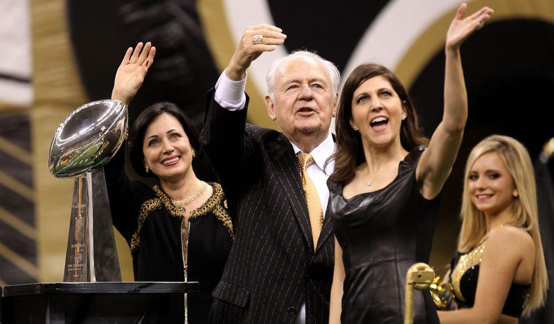 Illustration for article titled Saints And Pelicans Owner Tom Benson Dead At 90