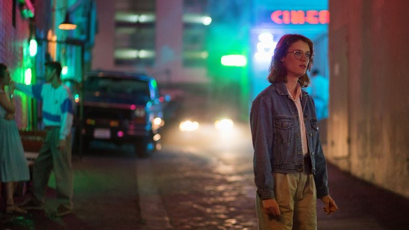 "Mackenzie Davis in ""San Junipero"" (Photo: David Dettmann/Netflix)"