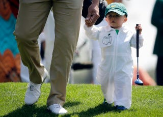 Illustration for article titled The Masters Par 3 Contest Gave Us Our New Favorite Sports Baby