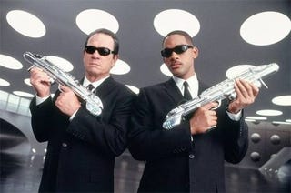 Illustration for article titled Will Smith and Tommy Lee Jones To Jump Out at You in Men in Black 3D