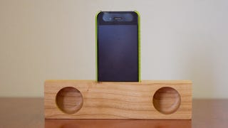 Illustration for article titled Craft a Cheap Smartphone Speaker Stand from a Block of Wood