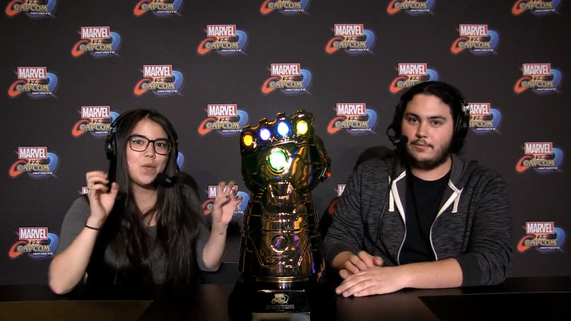 Illustration for article titled This Weekend's Marvel vs. Capcom Trophy Is A Light-Up Infinity Gauntlet