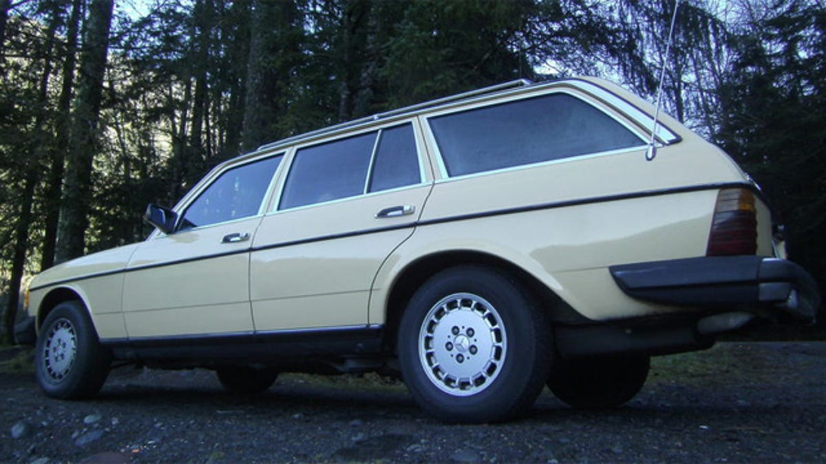 1981 Mercedes 300TD has a V8 secret under the hood
