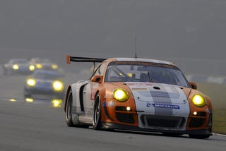 Illustration for article titled Porsche 911 GT3 R Hybrid Takes Flywheel To New Heights