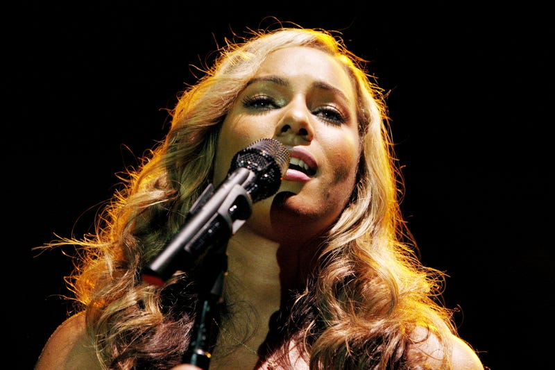 Illustration for article titled Singer Leona Lewis Punched at London Bookstore