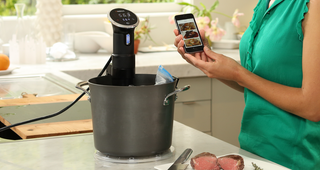Illustration for article titled You Can Control Anova's New Precision Sous-Vide Cooker With Your Phone
