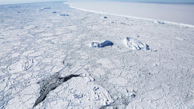 Hydrofracturing Is the Latest Concern for Antarctica's Ice Shelves