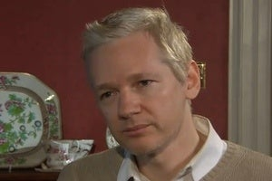 Illustration for article titled Memoirs of a Highly Visible Man: Julian Assange Signs $1.3m Book Deal to Cover Legal Costs
