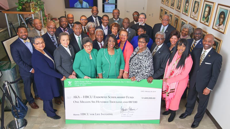 Dr. Glenda Glover, International President of Alpha Kappa Alpha (c) presents the first round of the AKA-HBCU Endowment Fund.