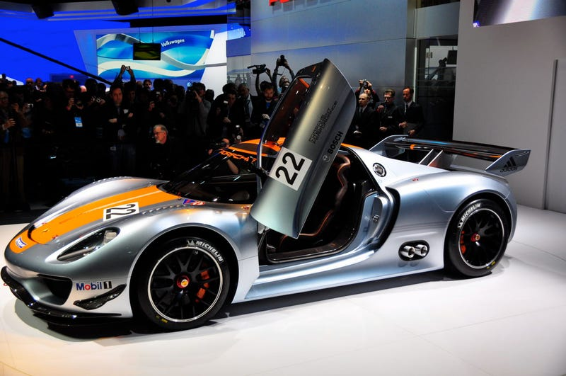Illustration for article titled Porsche Wins At Detroit With Hybrid 918 RSR Race Car