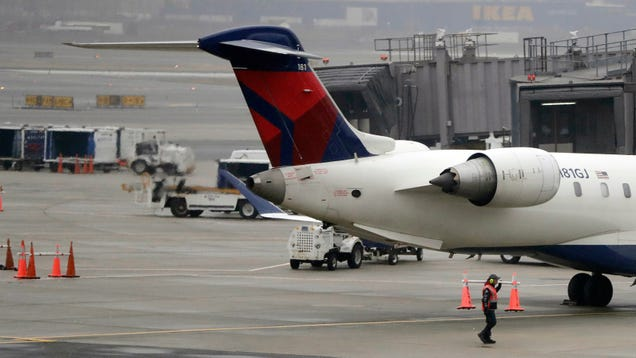Reports of Drones Flying Near Airports Ground Flights Yet Again, This Time at Newark Liberty