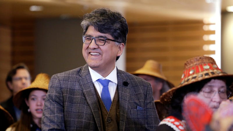 Illustration for article titled Native American Lit Community Warns of Sexual Harassment Allegations Against Sherman Alexie