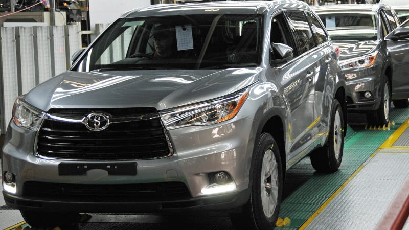 Illustration for article titled Toyota Indiana Launches The 2014 Highlander; Prepares For Hybrids And Exports
