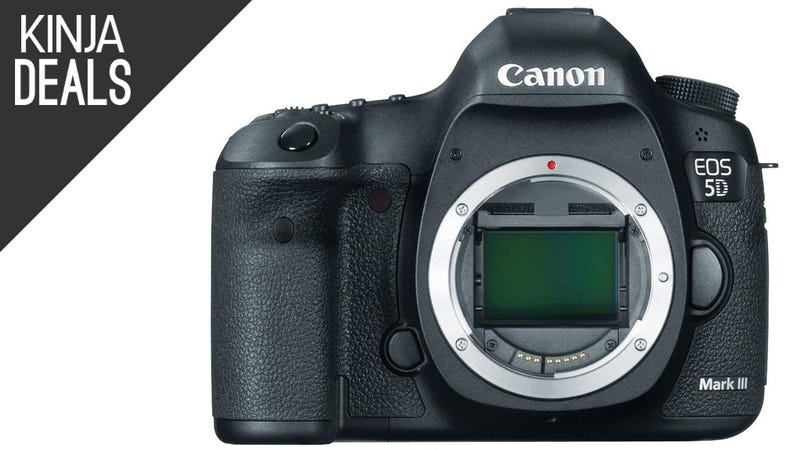 Illustration for article titled Any Pro Photographers Out There? Here's a 5D Mark III for $2,000.