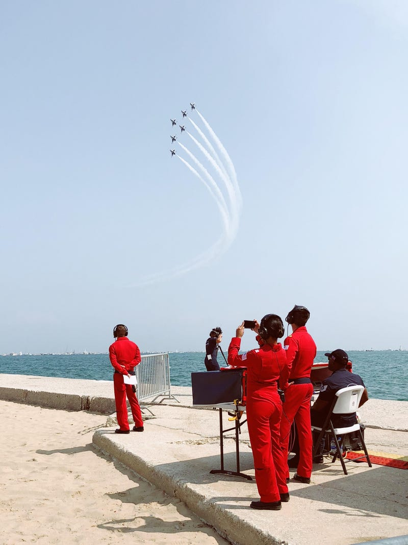 Illustration for article titled Shamelessly Stolen Picture from the Chicago Air Show