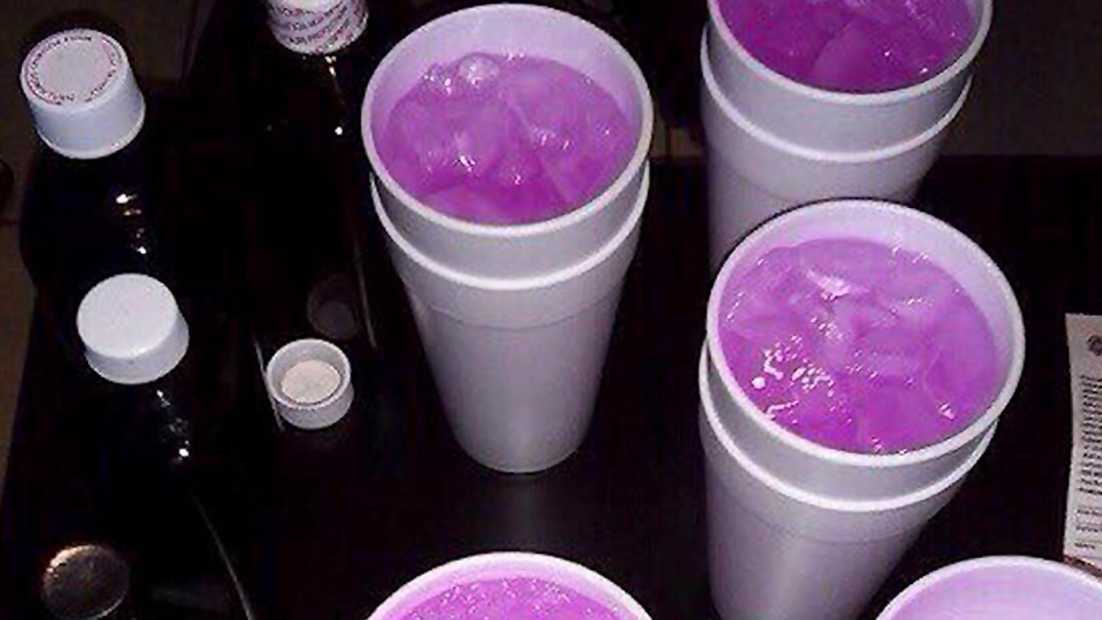 Qué es el Purple Drank, la droga casera de moda en México que algunos confunden con una bebida de Los Simpson