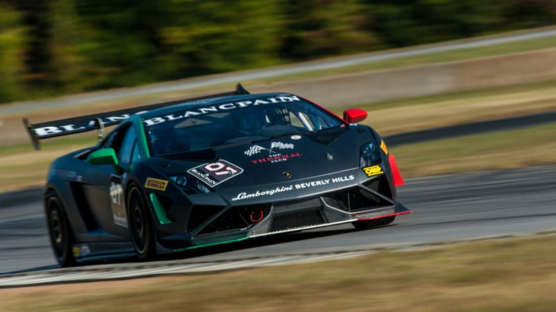 Illustration for article titled Lamborghini's Sinister Gallardo Super Trofeo Is Terrifyingly Amazing