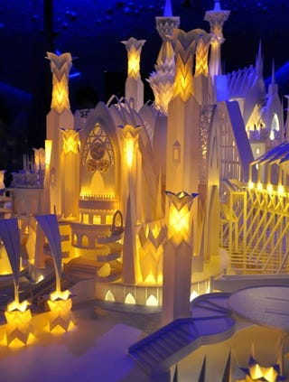 Illustration for article titled Papercraft Castle Is More Gorgeous and Intricate Than Most Real Castles