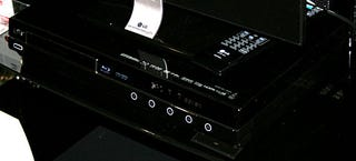 Illustration for article titled Hands On: LG BH200 Combo Blu-ray and HD DVD Player