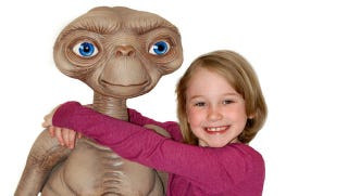 Illustration for article titled This life-size E.T. puppet is the creepiest thing that has ever existed