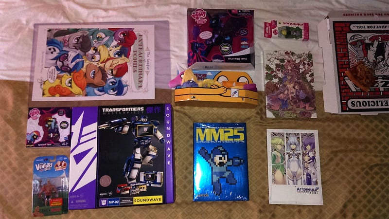 Illustration for article titled Comic-Con Shopping Day One: This Is Me Restraining Myself