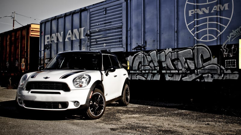 Illustration for article titled Your ridiculously cool Mini Countryman All4 Wallpaper is here