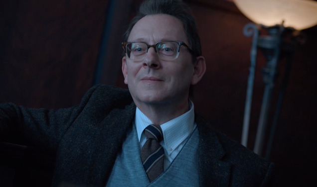 Michael Emerson shows off his Evil side in this exclusive behind-the-scenes clip