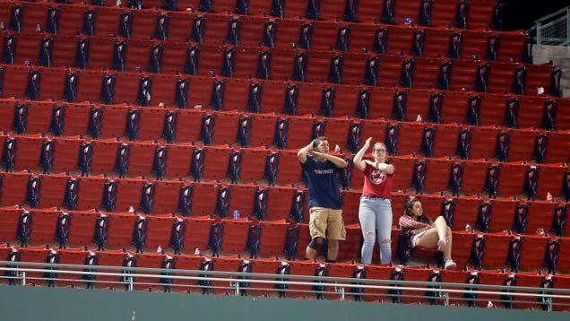 Red Sox Outlast Blue Jays With Hanley Ramírez Walk-OffIn Brutal 19-Inning Slog