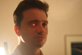 Illustration for article titled Filmmaker Gets His Cyborg-Like LED Prosthetic Eye