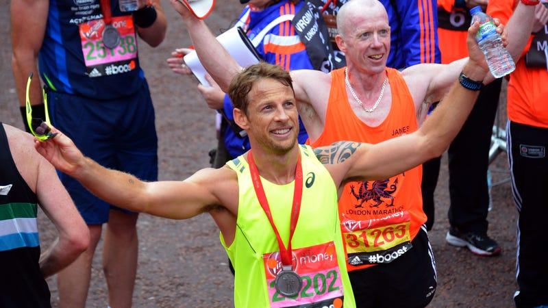 Illustration for article titled Akkorát futott Jenson Button, hogy olimpiai bajnok lehetett volna
