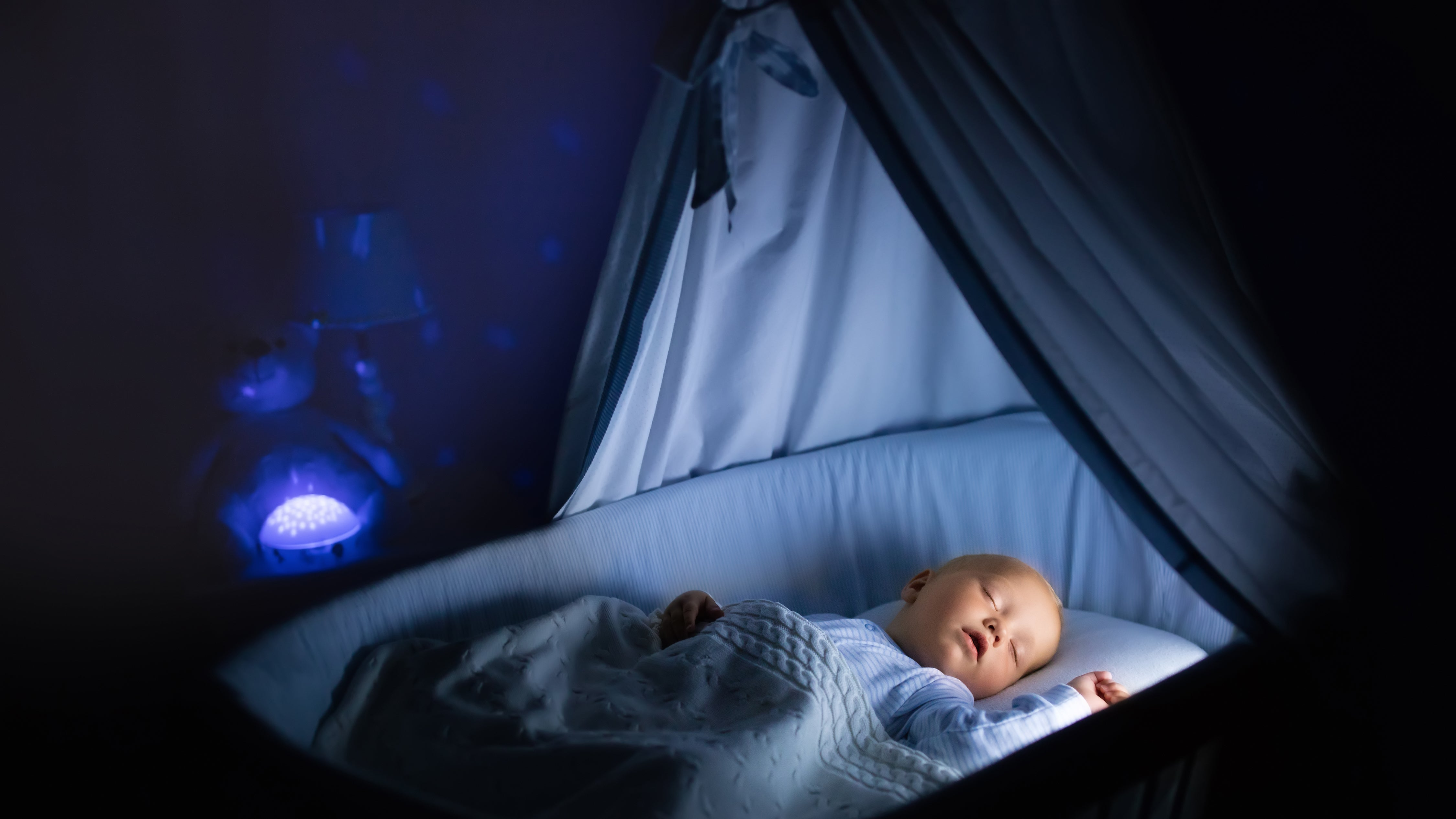 How To Get Your Baby To Sleep In A Hotel Room