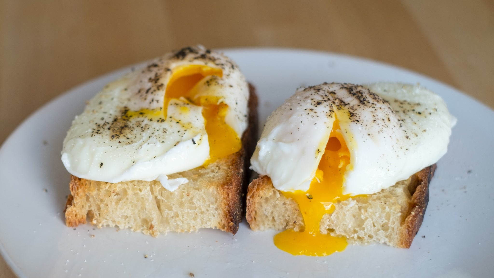 Here's The Easiest Way To Poach An Egg