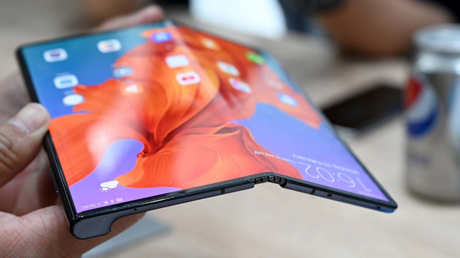 consumer-tech foldable foldable-phones galaxy-fold tag-mobile samsung smartphones technology