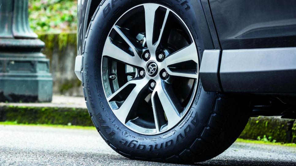 carbon-black jalopnik tire tires