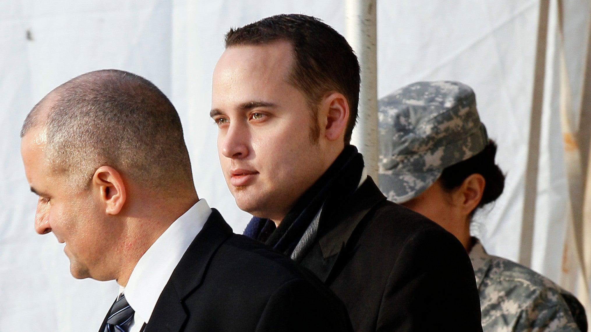 adrian-lamo chelsea-manning federal-bureau-of-investigation julian-assange wikileaks
