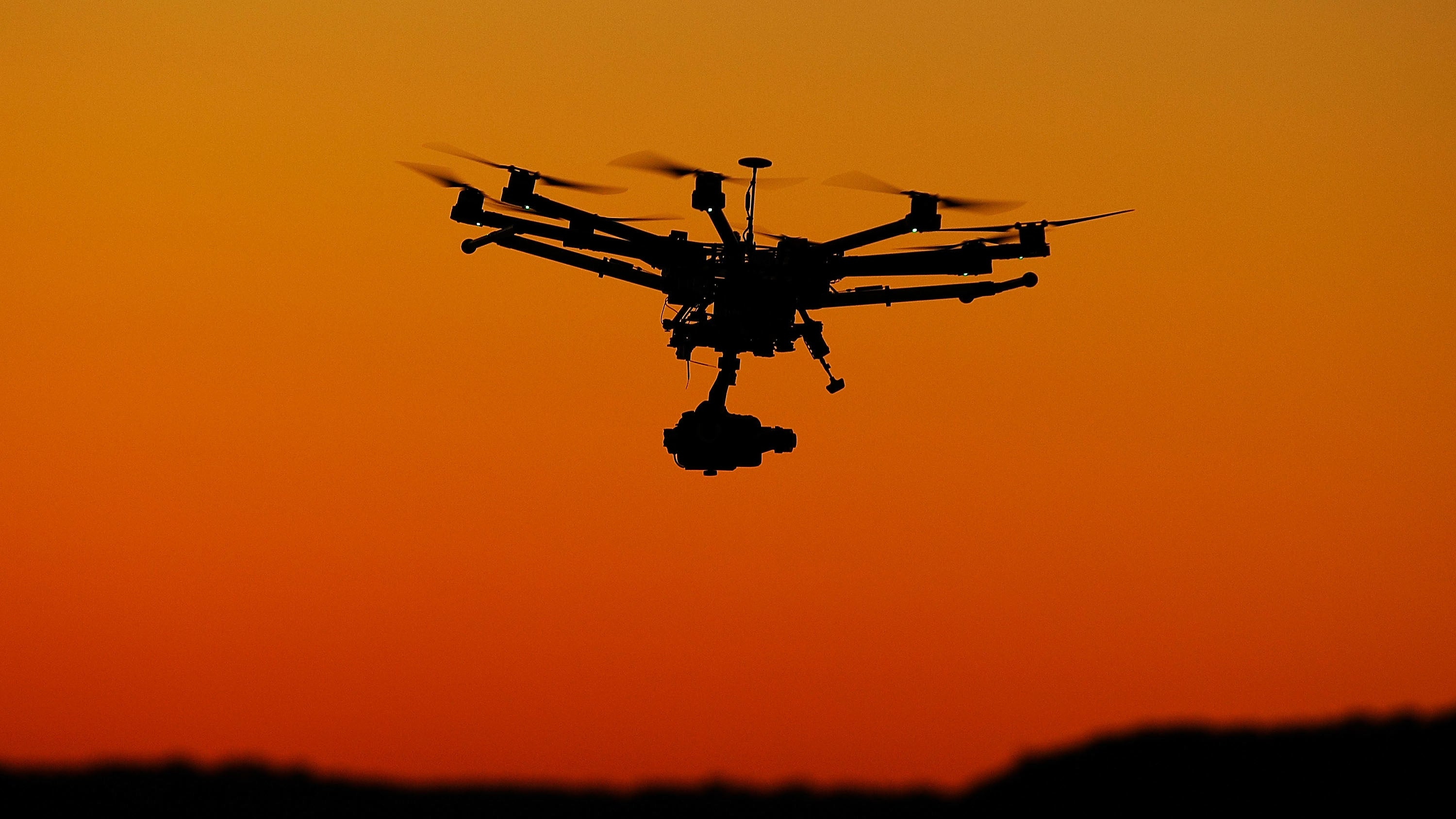 airplanes drones flying uavs