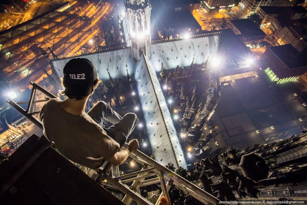 Skywalking, la moda rusa por fotografiarse en las alturas