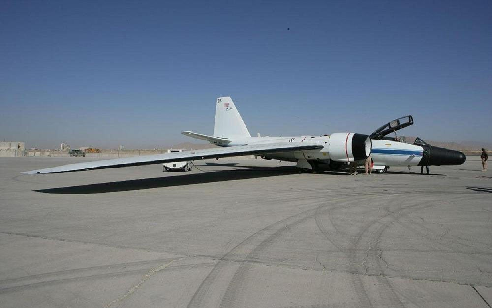 RB-57 Canberra NASA (page 7) - Pics about space