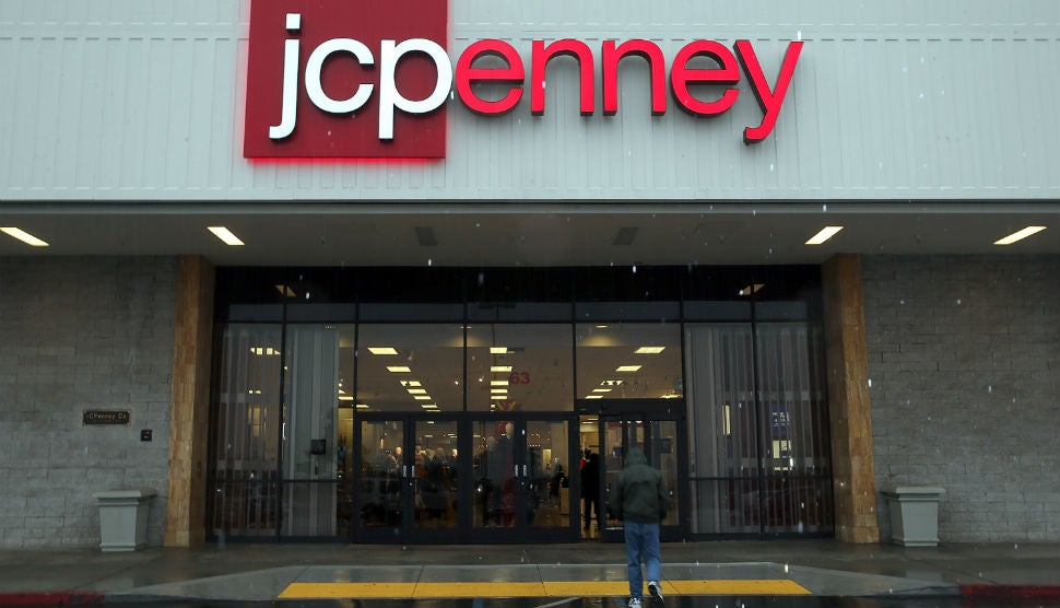 JC Penney To Reduce 2000 Work And Also Near 33 Retailers Throughout The Country