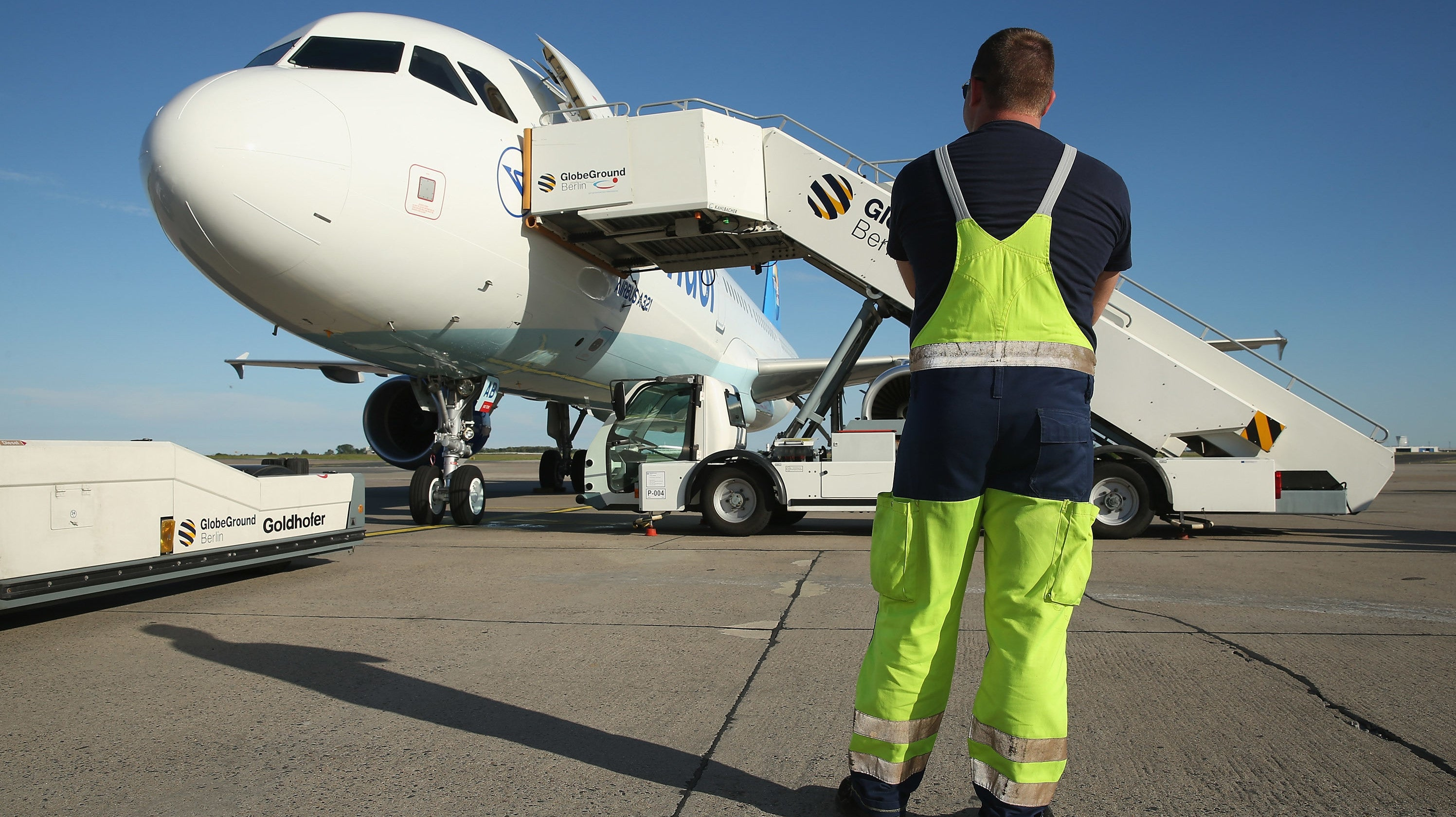 Flight Turned Back After Pilot Spilled Coffee Causing Control Panel To Melt And Smoke