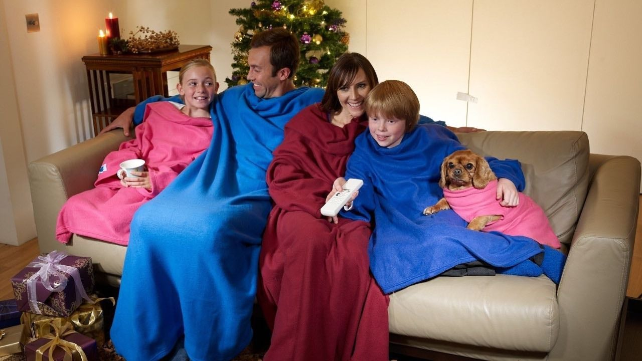 Snuggie Goes To War With Amazon Over Counterfeit Blankets