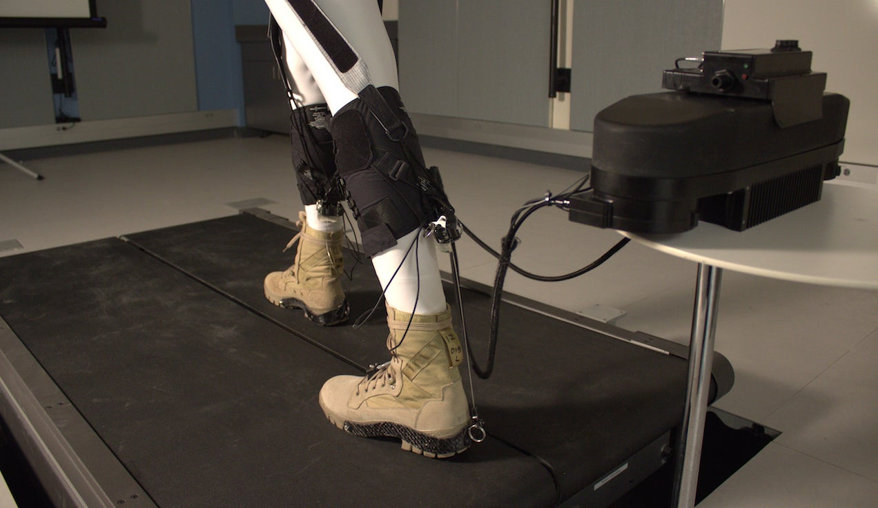 This Robotic Exoskeleton Saves The Human Body Precious Energy