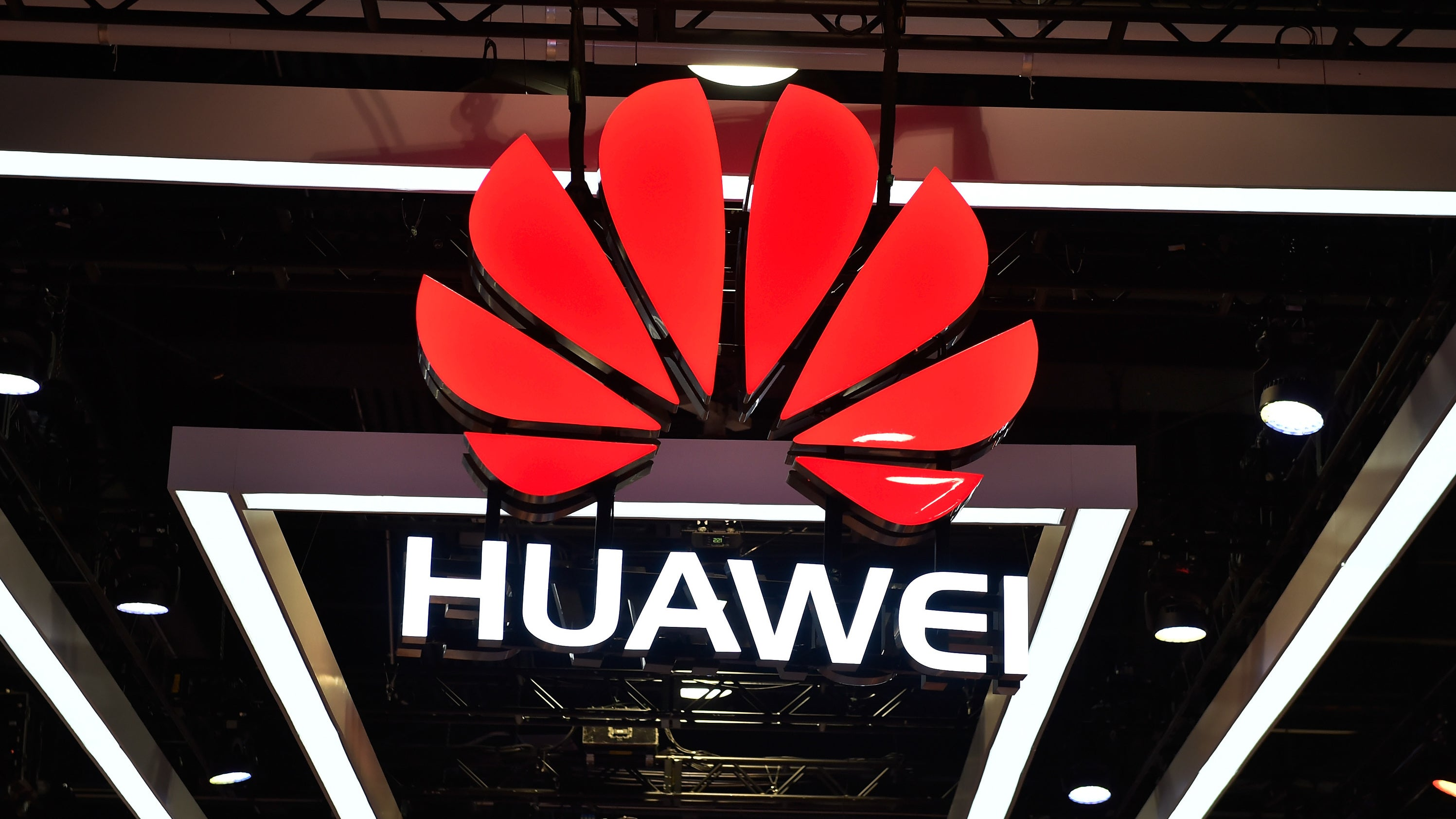 'Five Eyes' Spy Chiefs Agreed To Contain Huawei's Global Reach At Meeting In July: Report