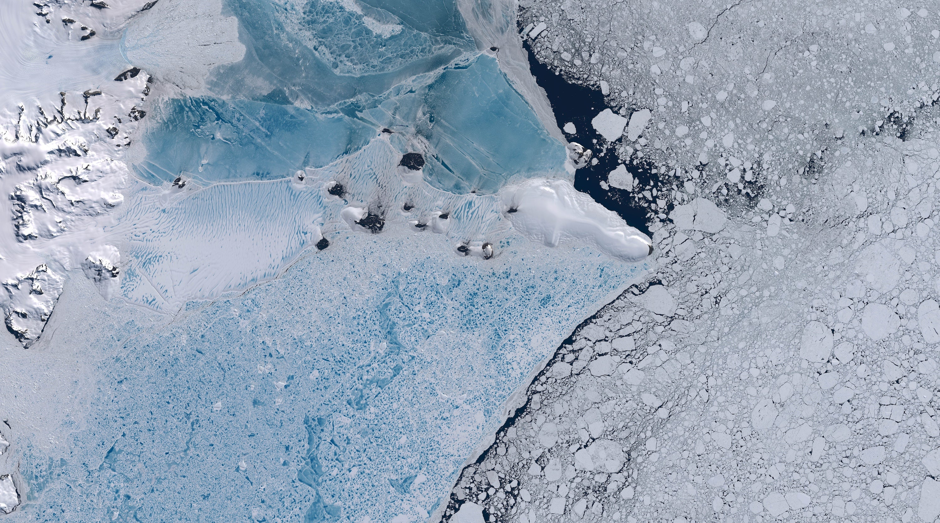 Scientists Discover A Weird Noise Coming From Antarctic Ice Shelf